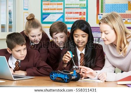 Garçon science leçon enfant bureau électricité Photo stock © IS2