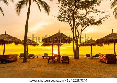cadeiras · de · praia · manhã · luz · praia · mar · báltico · água - foto stock © meinzahn
