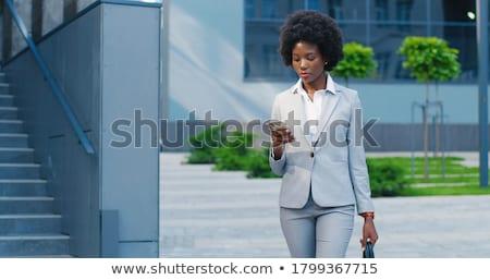 indian · zakenvrouw · telefoon · shot · outdoor - stockfoto © pressmaster