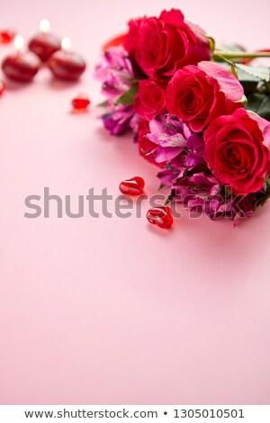 Gemengd bloemen boeket rozen kaarsen hart Stockfoto © dash