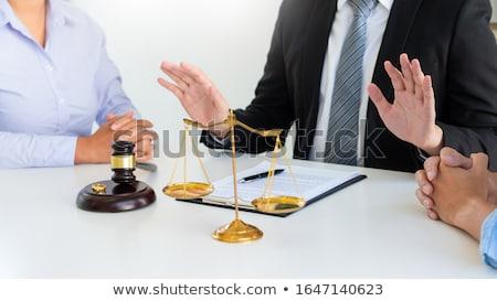 Rechter hamer overeenkomst bereid huwelijk echtscheiding Stockfoto © snowing