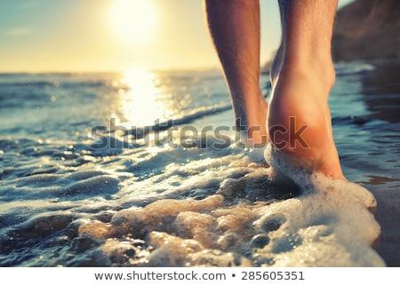 ног воды взрослый ребенка прикасаться вместе Сток-фото © tab62