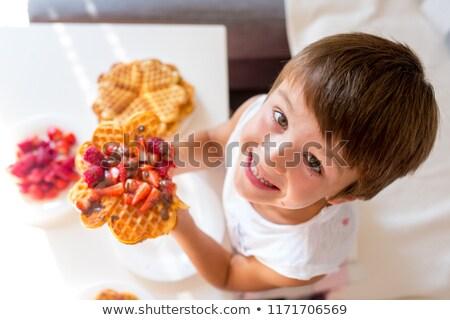 Stock fotó: Waffle · csokoládé · eper · mártás · szeletek · fehér