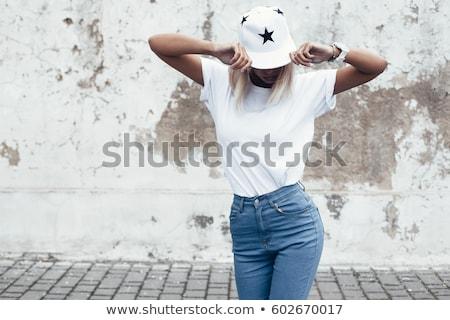 女性 · 野球帽 · 長髪 · 着用 · 行 - ストックフォト © tanya_ivanchuk