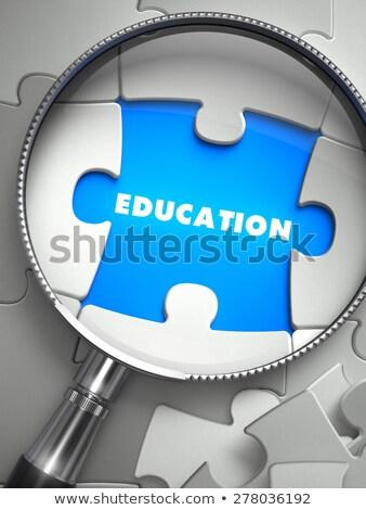 Istruzione puzzle mancante pezzo lente di ingrandimento illustrazione 3d Foto d'archivio © tashatuvango