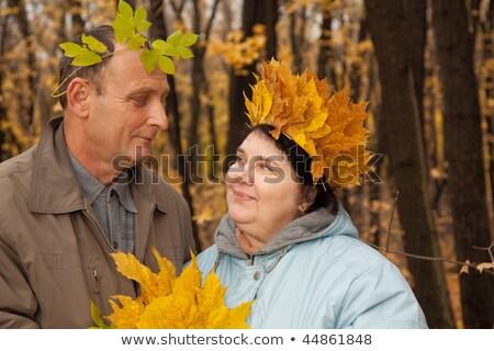 歳の男性 · 歳の女性 · 花輪 · メイプル · 葉 · 見 - ストックフォト © Paha_L