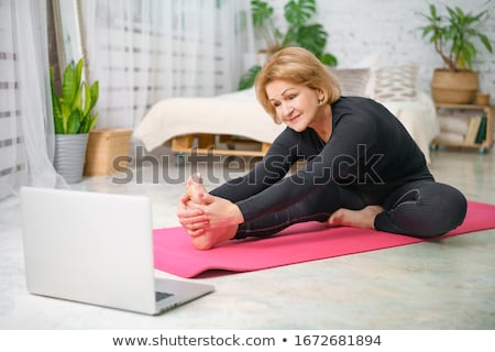Yaşlılar eğitim spor salonu kadın adam uygunluk Stok fotoğraf © IS2