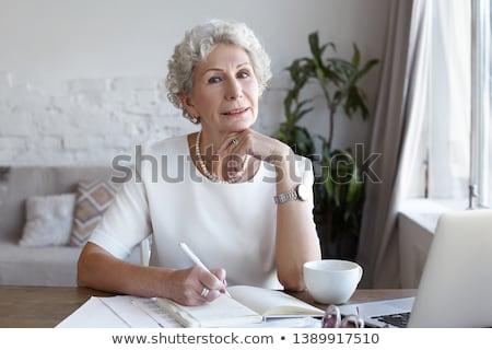 Kort haar oude werk ingesteld vrouwen bureau Stockfoto © toyotoyo