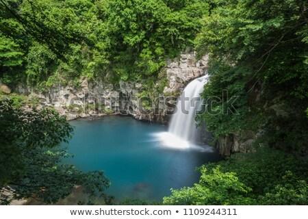 滝 岩 滝 小 崖 ストックフォト © lovleah