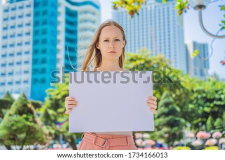 Femme affiche libre ville fille design Photo stock © galitskaya