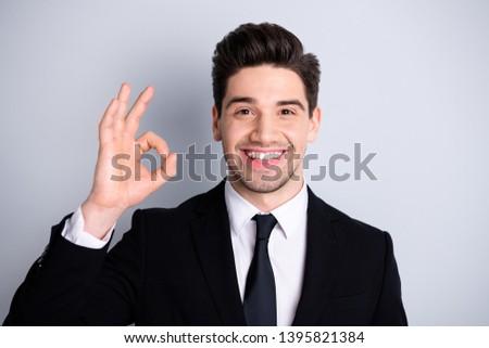 Portret jonge knap zakenman man gelukkig Stockfoto © konradbak