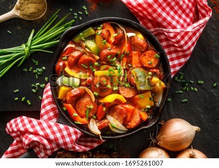 főzés · bors · hagymák · paprikák · kempingezés · utazás - stock fotó © javiercorrea15