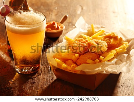 Stockfoto: Bier · snacks · steen · noten · chips · worstjes