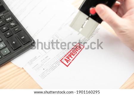 Foto stock: Carimbo · financeiro · papel · negócio · assinar · grupo