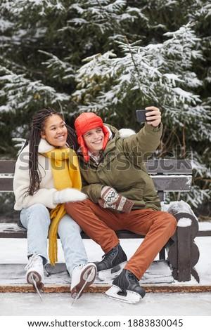 пару зима парка счастливым снега Сток-фото © deandrobot