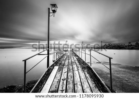 Hosszú dokk elképesztő kilátás tó gyönyörű Stock fotó © aetb