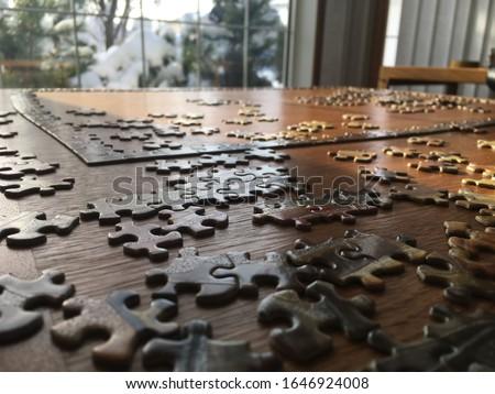 Bilmece ahşap masa puzzle parçaları inşaat arka plan büro Stok fotoğraf © fuzzbones0