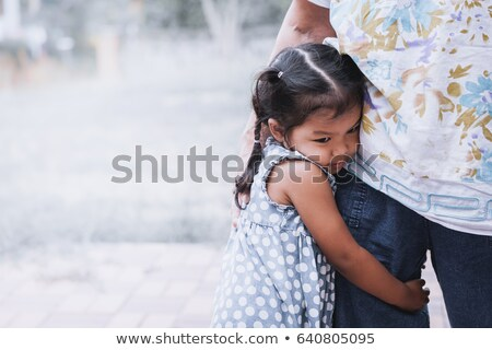 little · girl · mãe · brasão · família · menina - foto stock © stuartmiles