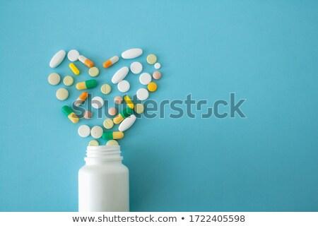 szívek · tabletta · 3d · illusztráció · terv · egészség · gyógyszer - stock fotó © bosphorus