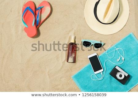 protezione · solare · telo · mare · spiaggia · di · sabbia · malva · colorato · asciugamano - foto d'archivio © Tagore75