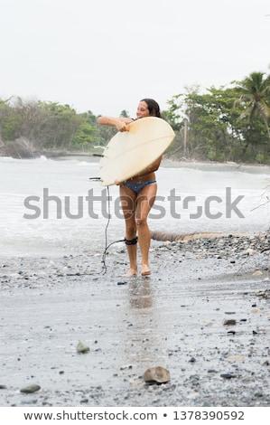 Nő bikini sétál lefelé tengerpart nyári vakáció Stock fotó © Kzenon