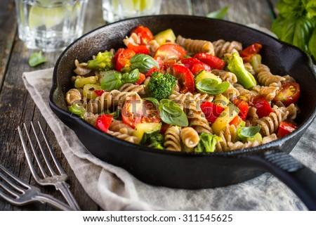 pâtes · légumes · cuisson · vert · déjeuner · légumes - photo stock © konturvid