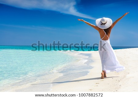 Vrouw strand lachend bril vrouwen sexy Stockfoto © nomadsoul1