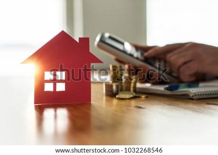 Ingatlan adóügy ház bérlés biztosítás férfi Stock fotó © AndreyPopov