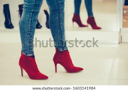 bela · mulher · sapatos · belo · mulher · jovem · mulher · menina - foto stock © dolgachov