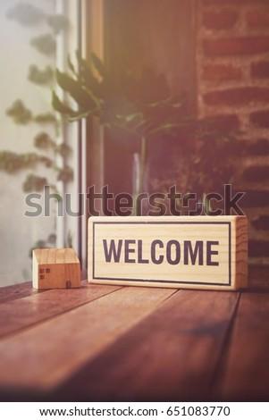 közelkép · üdvözlet · szöveg · fából · készült · asztal · papír - stock fotó © fuzzbones0