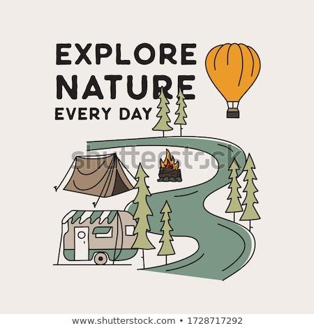Berg camping badge illustratie ontwerp ongebruikelijk Stockfoto © JeksonGraphics