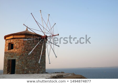 oude · traditioneel · windmolen · houten · heuvel · eiland - stockfoto © olandsfokus
