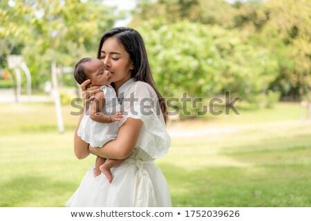 genç · kadın · öpücük · yalıtılmış · beyaz · kız - stok fotoğraf © elwynn