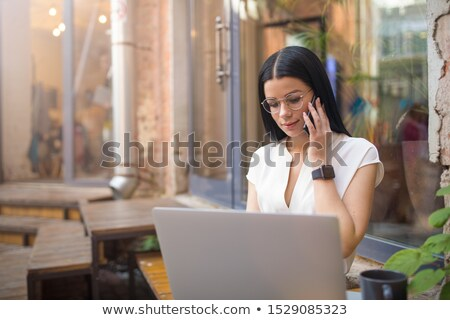 Vrouwelijke editor mobieltje spelen icon scherm Stockfoto © AndreyPopov