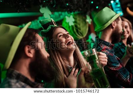 Día de san patricio verde cerveza día sombrero Foto stock © furmanphoto