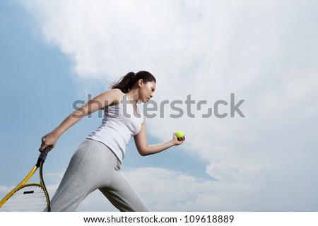 Gyönyörű nő kész játék tenisz fehér viselet Stock fotó © Kzenon