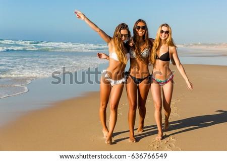 Stok fotoğraf: Genç · güzel · kız · plaj · eşarp · güneşli