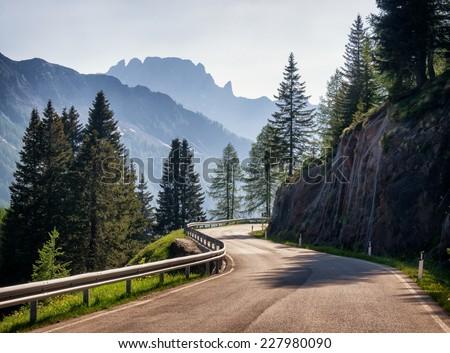 Stockfoto: Weg · bergen · gedekt · sneeuw · Zwitserland · hemel