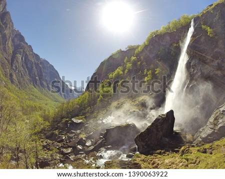 vallée · alpes · Suisse · ciel · montagnes · pierre - photo stock © sumners