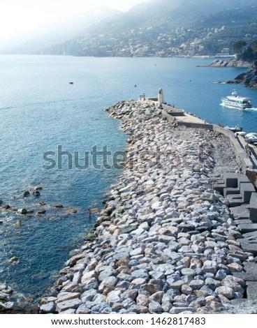 starych · kamień · obok · jezioro - zdjęcia stock © lizard