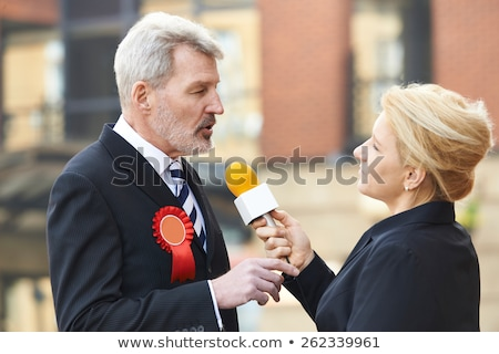 Politicus journalist verkiezing vergadering nieuws radio Stockfoto © HighwayStarz