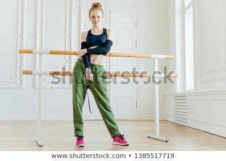Horizontaal slank vrouwelijke danser zwarte Stockfoto © vkstudio
