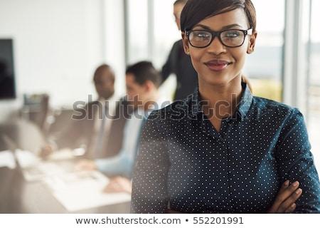 gelukkig · mooie · afro-amerikaanse · zakenvrouw · glimlachend · grijs - stockfoto © darrinhenry