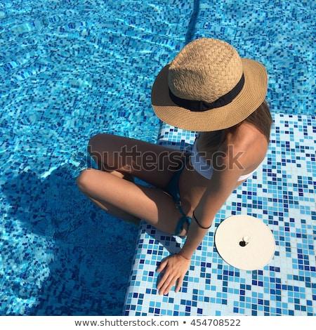 sexy · piscina · cute · rubio · nina · relajante - foto stock © dash