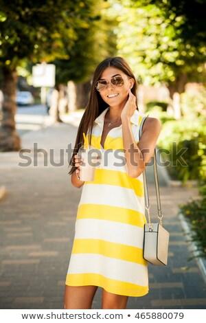 Meisje chocolade schudden mode bril monochroom Stockfoto © Aleksa_D