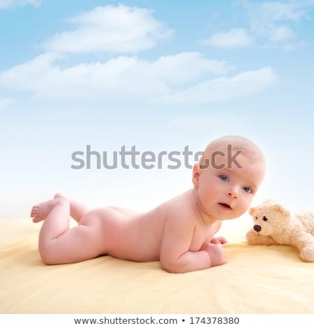 bebê · sorridente · nu · menina · casa - foto stock © lunamarina
