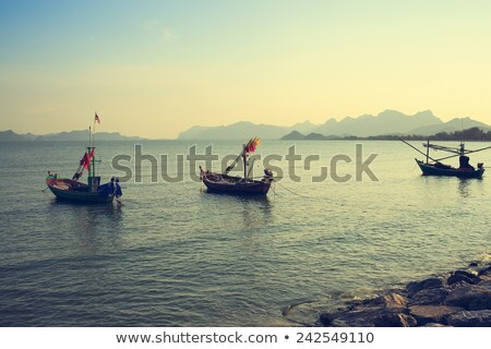 pêcheur · bateau · bali · plage · poissons · soleil - photo stock © frameangel