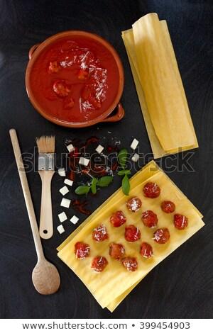 yemek · lazanya · ahşap · masa · yaprak · arka · plan · restoran - stok fotoğraf © jfjacobsz