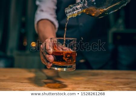 Whiskey reflectie drie bril rotsen glas Stockfoto © alex_l