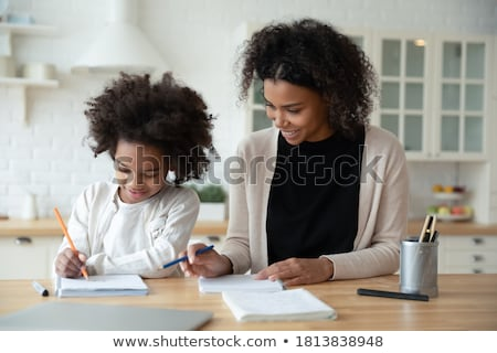 mère · fille · maison · maman · enseignement · travail - photo stock © iko